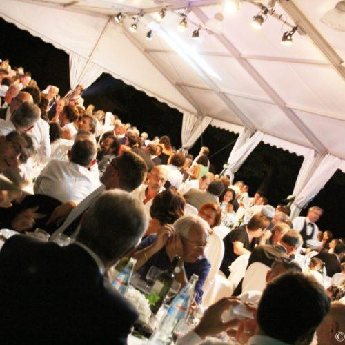 1-019-copia-988x658-500x500 Galleria Immagini Mario Pompeiani Dj - Matrimoni, eventi, congressi, meeting aziendali, compleanni, sagre e fiere matrimonio a bergamo