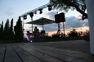 feste-aziendali-roma-300x200 5 tips per scegliere la musica perfetta per il tuo matrimonio Mario Pompeiani Dj - Matrimoni, eventi, congressi, meeting aziendali, compleanni, sagre e fiere matrimonio a bergamo